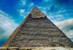 Spirit und Spiritualität-pyramide-himmel-wolken-pyramid