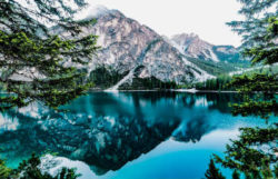 Meditation-Achtsamkeit- Stille-Ruhe-lake