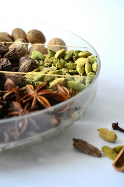ayurvedische-gewuerze-spices-Neutzler