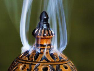weihrauch-raeuchern-incense