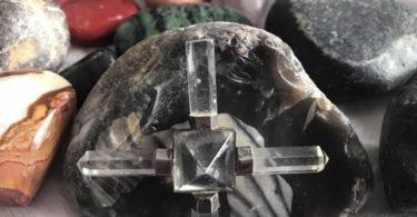 laramarie-obermeier-steine-kreuz