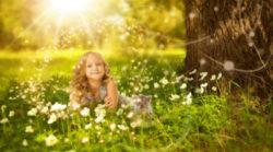 Folge deinem inneren Licht-innere-Kind-heilen-Ende-Opferrolle-wald-blumen-girl