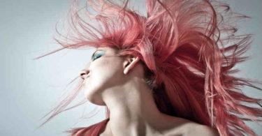 schoen-wild-weise-weiblichkeit-pink-hair