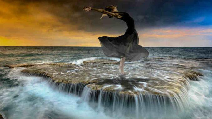 dakini-wilde-archaische-feminine-Urkraft-water