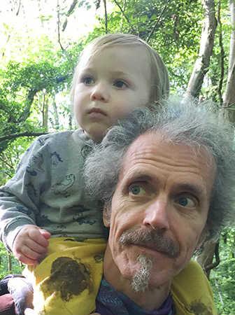 Biografie-Happy Planet-Charlie-Fred-Hageneder