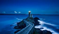 leuchtturm-unerledigte-in-uns-spirit-online-plouzane