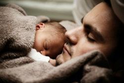 Vater-Kind-Hoffnung-Chance des Lebens-spirit-online-baby
