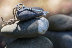 schluessel-steine-spirituelle Geschichte-spirit-online-stones