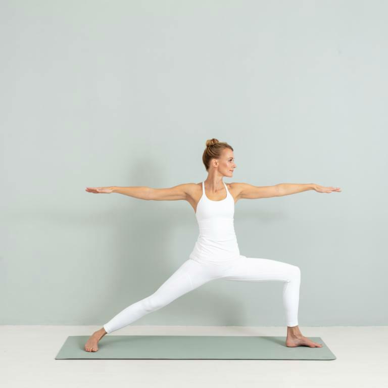 wohlsein-yoga-annika isterling-kamphausen-asanas-2475