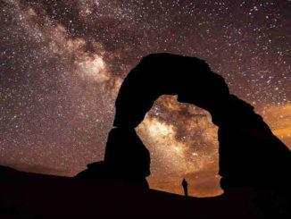 bogen-nacht-sterne-sternenstaub-spirituelle-geschichte-delicate-arch