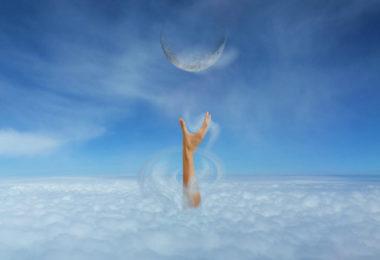 Gotteserfahrung-hand-himmel-nahtoderlebnis-blick-ewigkeit-tattva-viveka-hand