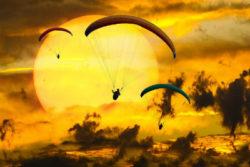 Freiheit-alles-ist-moeglich-bewusstsein-fuer-zusammenhaenge-paragliding