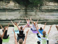 Frauen-Yoga-Kurse-Asana-rwomen