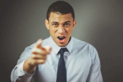 Emotionsregulation im Alltag-Emotionen-regulieren-mann-finger
