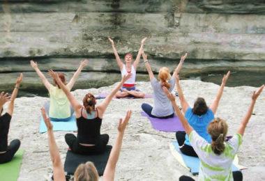 Frauen-Yoga-Kurse-Asana-women