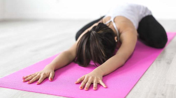 yoga-matte-frau