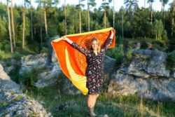 abhaengigkeit-gelb-orange-biobaumwolldecke-siebert