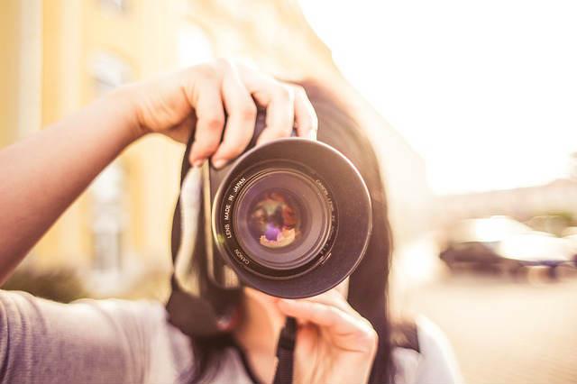 ngst-fotografiert-zu-werden-Fotoshooting-Fotosession-Kamera-Linse-camera-adult