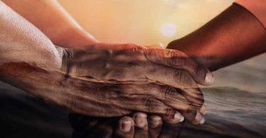 Ausbeutung-Guete-Verbundenheit-innerer-Frieden-Gemeinsamkeit-hands