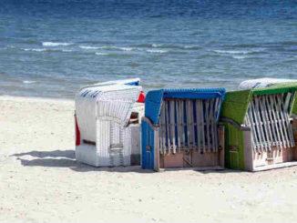 Liebe-zu-sich-selbst-entdecken-Sylt2020-strand-meer-strandkoerbe-Barbara-Bessen-clubs