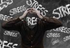 kopf-halten-mensch-stress