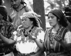 kristallschaedel-Maya-Zeremonie-Tattva-Viveka