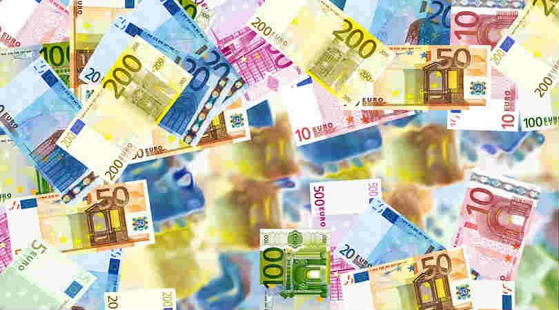 finanzieller-Wohlstand-VIP-Seminar-Svitlana-Regittnig-bills