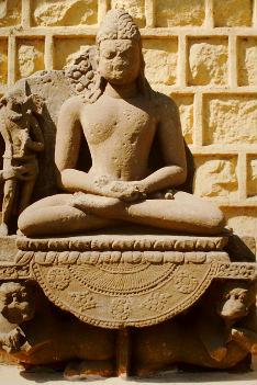 geheimsivolles-Idien-meditierender-Buddha-Roland-Ropers