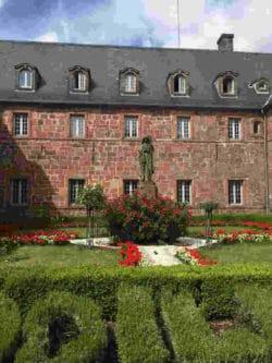 Heil-Kraftreise-Odilienberg-Mont-Sainte-Odile-Iris-Waizenegger-Kloster2