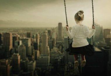 skyline-Gott-Kanzler-Kind-Schaukel-girl