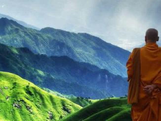 berge-himmel-wiesen-buddhist
