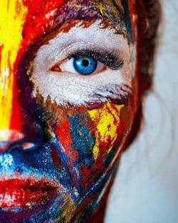 glaubensaetze-gesicht-bunt-makeup