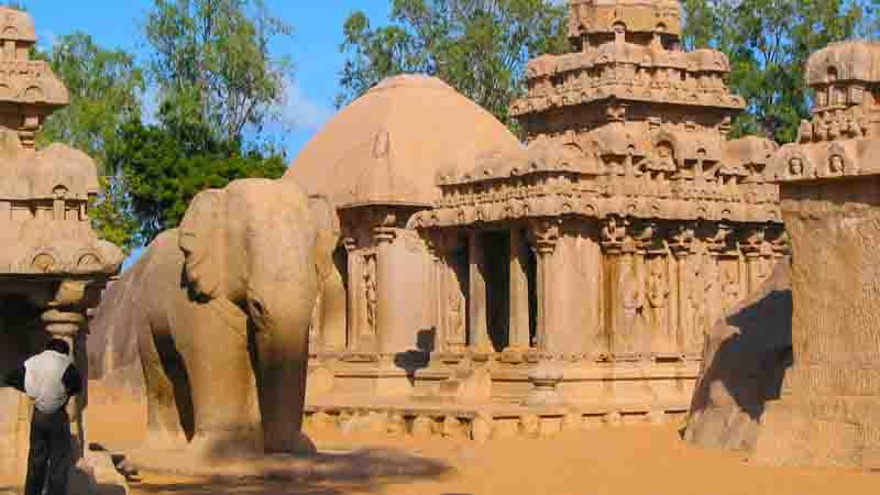 Alexandra-Stenner-Kosmologie-Hinduismus-tempel-elefant