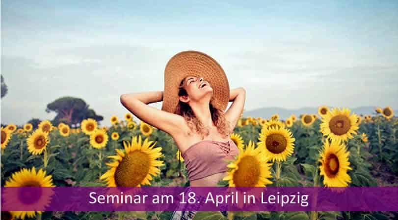 Leipzig-Frau-Sonnenblumen-Feld-woman