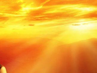 spirituelle-hilfe-frau-sunset
