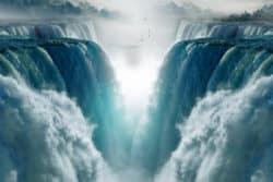 menschliche Meisterschaft-joshua-channeling-bessen-waterfalls