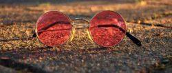 Astrologie April 2020-farbige-Brille-glasses