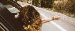 Freiheit-frau-autofenster-wind-haare-averie-woodard-unplash