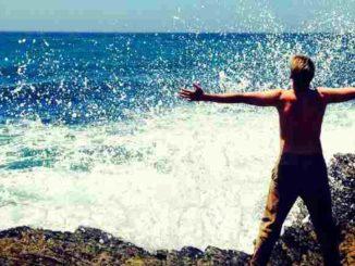 mensch-meer-klippen-erfolg-sea