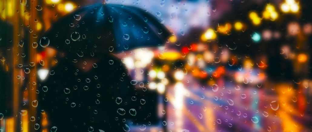 trauma-schirm-regen-lichter-stadt-rain