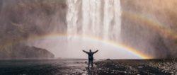 Wissen trifft auf Glaube-regenbogen-mensch-wasserfall-waterfall