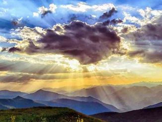 wahrnehmung-himmel-sonnenstrahlen-sunset