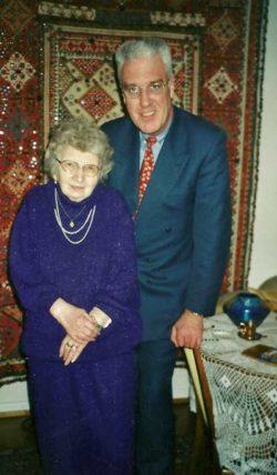 SCHIMMEL Annemarie und Roland Ma¨rz 2002