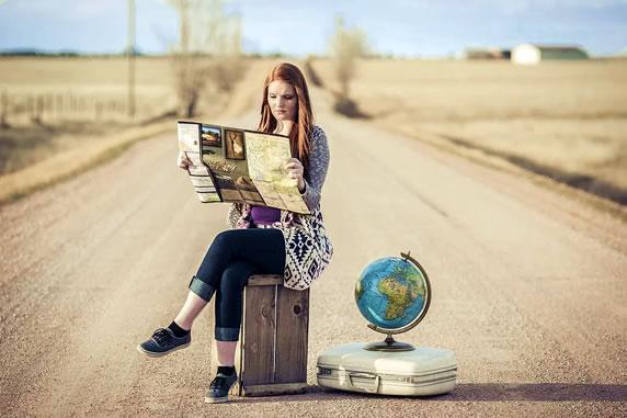 Reisen Freu Koffer Landkarte Strasse