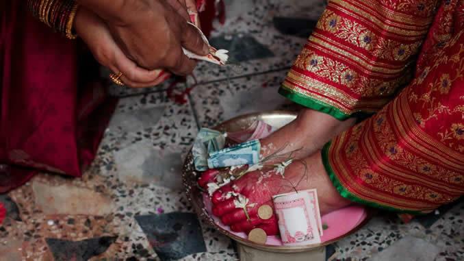 Geld-bewusstsein-pexels-swadesh-maharjan