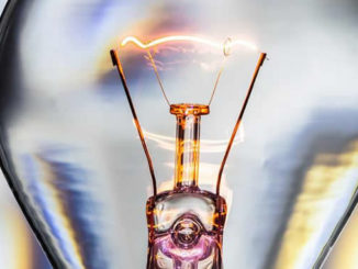 strom-energie-gluehbirne-light-bulb