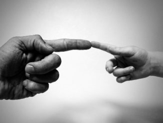 finger-mitgefuehl-michelangelo