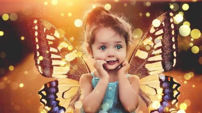 staunende Kind Schmetterling child