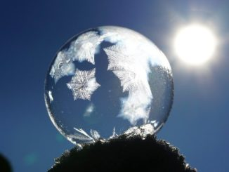 Sonne-Eiskugel-soap-bubble