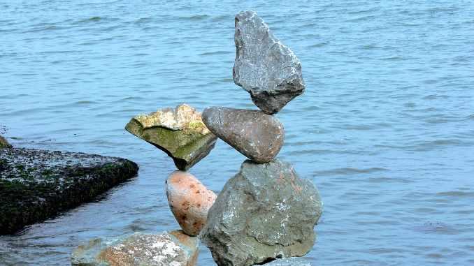 steine-wasser-rocks